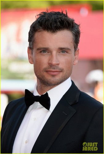 Tom Welling Hintergrund probably with a business suit entitled Tom Welling: 'Parkland' Venice Film Festival Premiere!