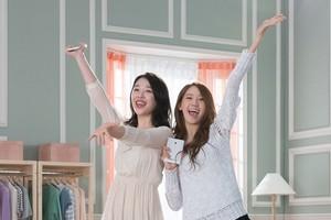 Yoona and Sulli SKT LTE