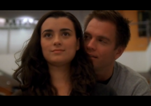 NCIS 바탕화면 containing a portrait entitled Ziva and Thony