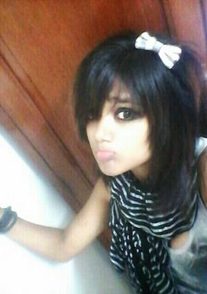indian ईमो girl