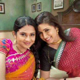 Saraswatichandra (TV series) achtergrond possibly with a portrait titled offscreen