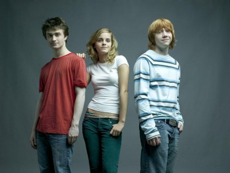 Harry Potter फिल्में वॉलपेपर containing a jean, bellbottom trousers, and long trousers entitled <333