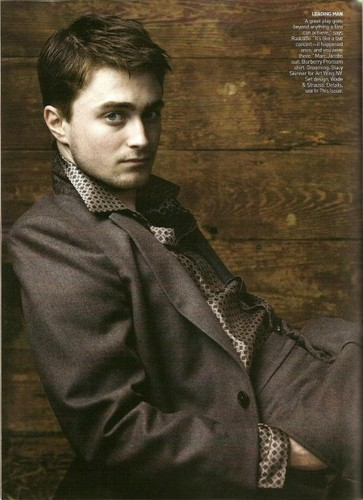 Harry Potter फिल्में वॉलपेपर possibly with a business suit titled <333