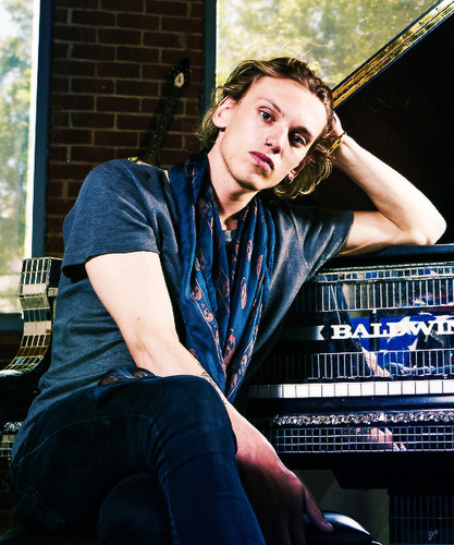 Jamie Campbell Bower Hintergrund with a dishwasher entitled ♡ Jamie Photoshoot For Gibson