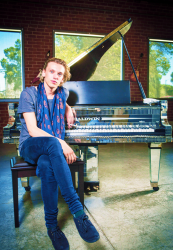 Jamie Campbell Bower Hintergrund with a grand piano, a konzert grand, and a pianist called ♡ Jamie Photoshoot For Gibson