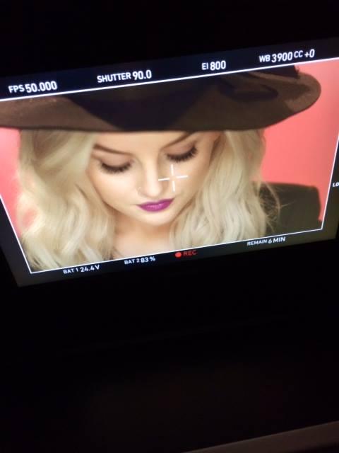 ''Move'' Music Video - Stills
