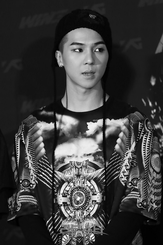 Song Minho fond d'écran possibly with a dashiki entitled ♥ Song Minho ♥