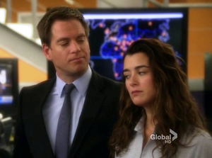 "Tony & Ziva 7x23 ""Patriot down"""