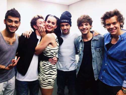 one direction fondo de pantalla probably with a well dressed person titled 1D & Katy Perry