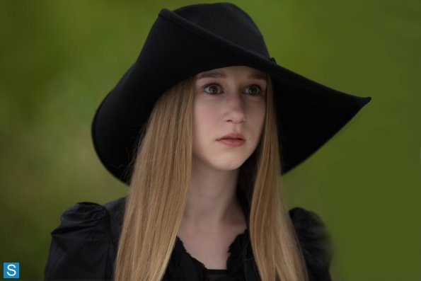 American Horror Story - Episode 3.05 - Burn, Witch, Burn! - Promotional Photos