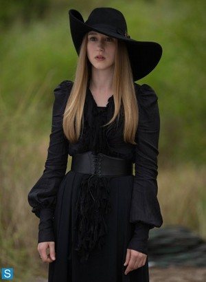 American Horror Story - Episode 3.05 - Burn, Witch, Burn! - Promotional foto