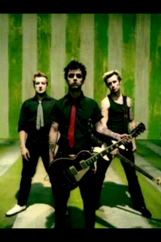 Green Day wallpaper possibly containing a rifleman called American Idiot