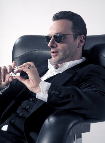 Andrew 링컨 바탕화면 containing a business suit and sunglasses called Andrew
