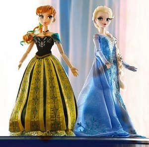 Anna and Elsa Disney Store Limited Edition dolls