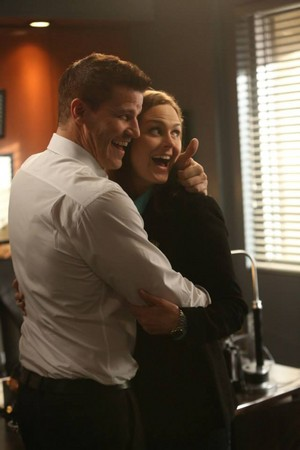 "Behind the Scenes fotos from BONES: ""The Woman In White"""