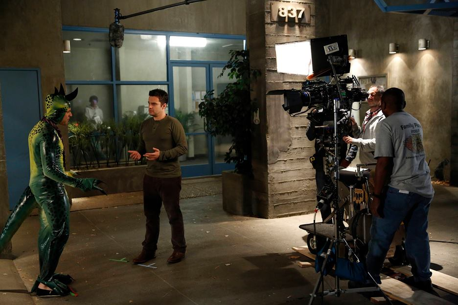 "Behind the Scenes Photos from NEW GIRL: ""Keaton"""
