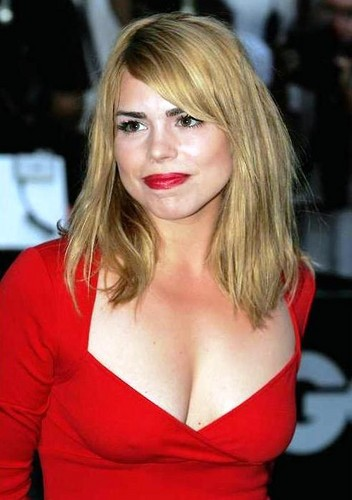 Rose Tyler wallpaper probably with attractiveness and a portrait called Billie Piper