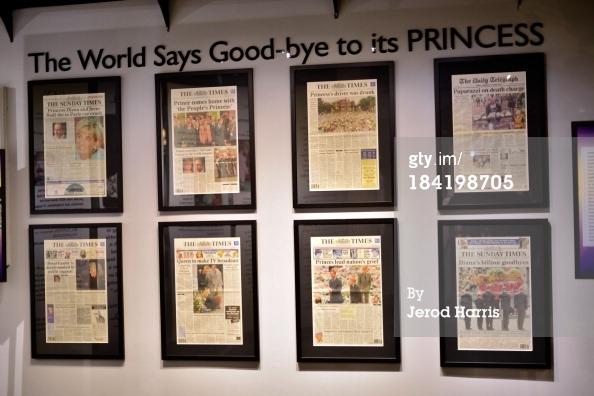 """Diana: Legacy of A Princess"""" Exhibition Media Предварительный просмотр день"""