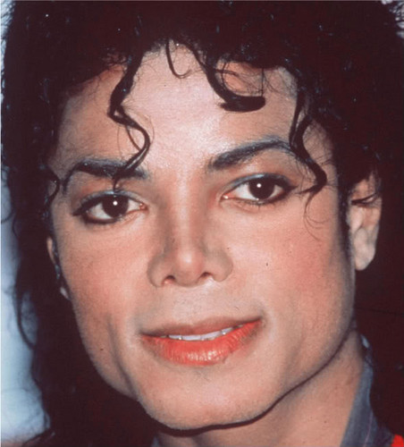 Michael Jackson wallpaper probably containing a portrait entitled Ebony Eyes