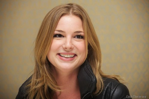 Revenge wallpaper containing a portrait titled Emily VanCamp: 'Revenge' TV Junket em LA!