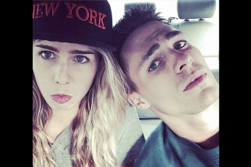 Emily Bett Rickards fond d'écran with a fedora entitled Emily and Colton