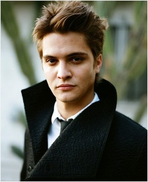 50 Shades newest cast member,Luke Grimes(Elliot Grey)