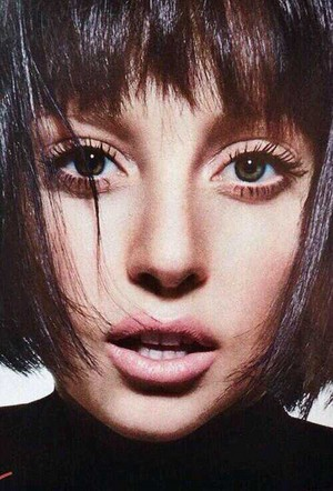 Glamour Magazine - December 2013