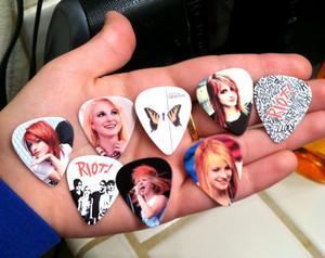Hayley williams & Paramore guitar, gitaa picks