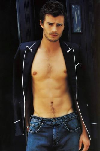 Fifty Shades Trilogy karatasi la kupamba ukuta titled Jamie Dornan aka Christian Grey