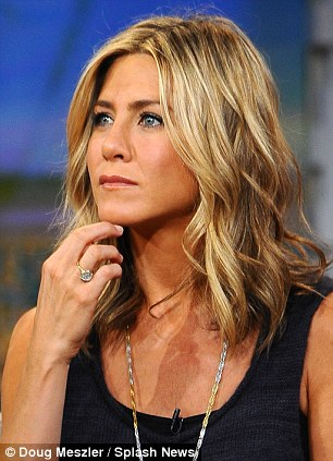 jennifer aniston fondo de pantalla with a portrait called Jennifer aniston