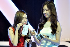 Jessica and Seohyun 'GiRL de Provence' Thank te Party