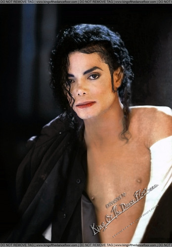 Michael Jackson achtergrond possibly containing a portrait called King Forever