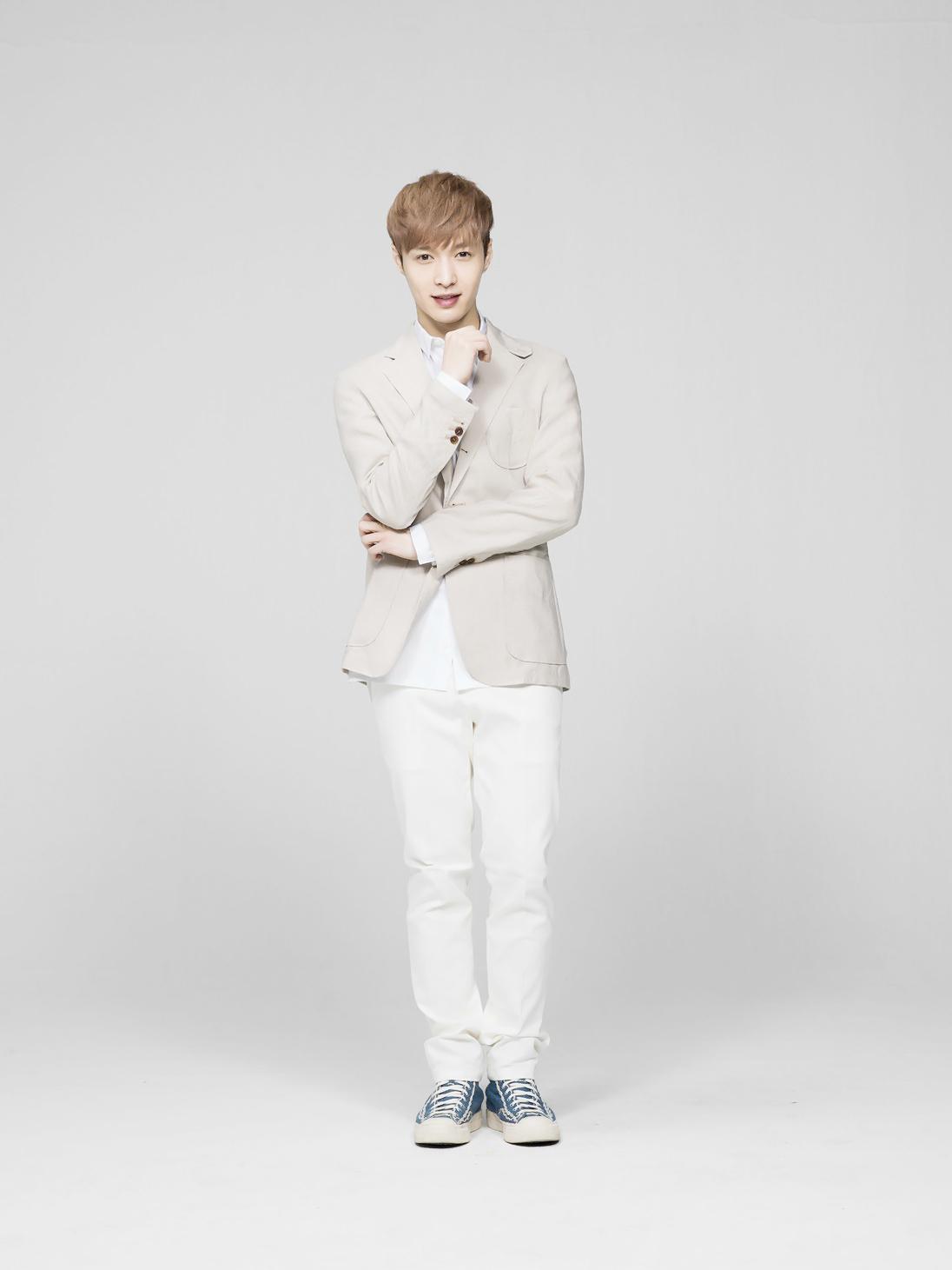Lay - EXO-M Photo (359...