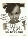 Lisa's autograph ♥ - lisa-left-eye-lopes photo