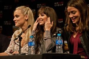 ロスト Girl Cast