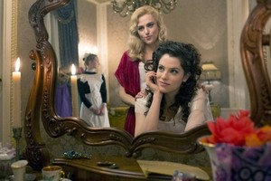 Lucy and Mina (Dracula NBC)