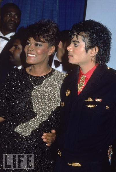 Michael And Dionne Warwick Backstage At The 1986 Grammy Awards