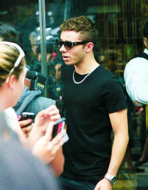 Nathan x