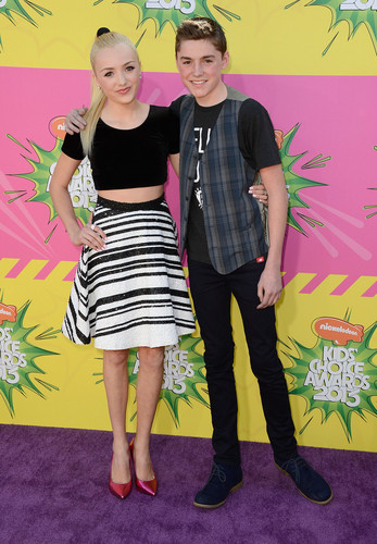 Peyton R. List (Emma Ross) wallpaper containing a parasol titled Nickelodeon Kids Choice Awards 2013