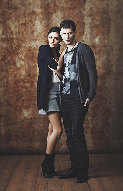 Phoebe Tonkin & Joseph مورگن » SDCC shoot