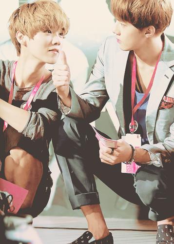 Sehun and Luhan - exo PhotoExo Sehun And Luhan Fight
