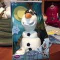 Singing and talking Olaf