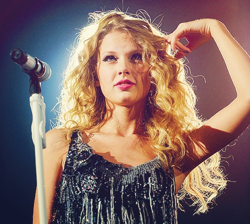 Taylor snel, snel, swift achtergrond probably containing a cocktail dress entitled TayTayWow<3 Fearless Tour