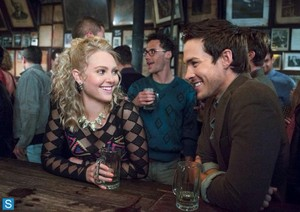 "The Carrie Diaries 2.03 ""Borderline"" - promotional foto"