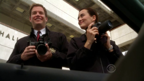 "Tiva fondo de pantalla containing a business suit entitled Tony & Ziva 7x21 ""Obsession"""