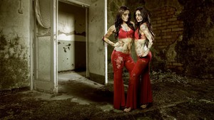 WWE Zombie:The Ring of the Living Dead - Bella Twins