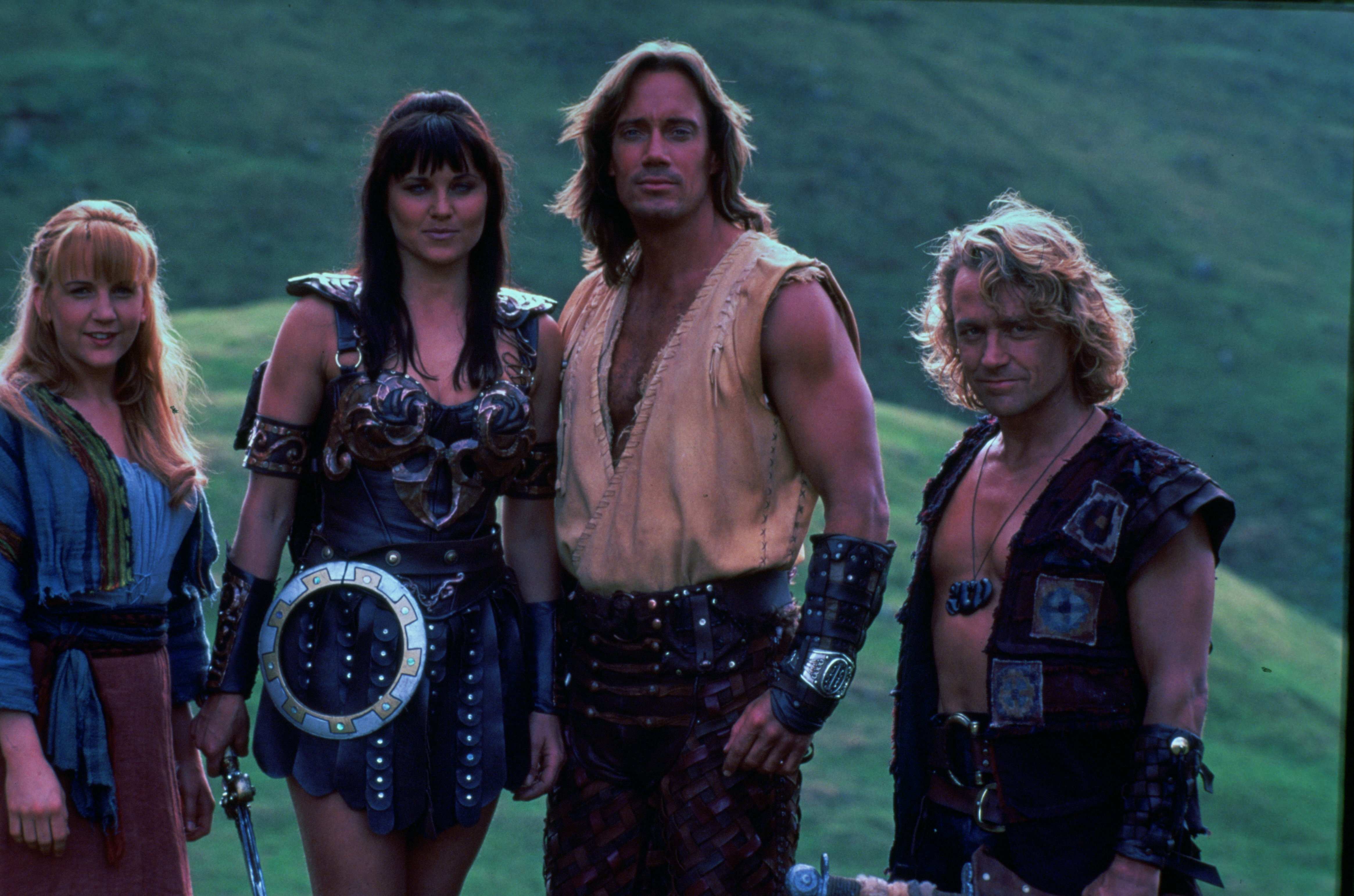 http://images6.fanpop.com/image/photos/35900000/Xena-big-size-xena-warrior-princess-35948821-4660-3084.jpg