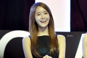 Yoona 'GiRL de Provence' Thank bạn Party