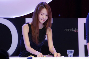 Yoona 'GiRL de Provence' Thank আপনি Party