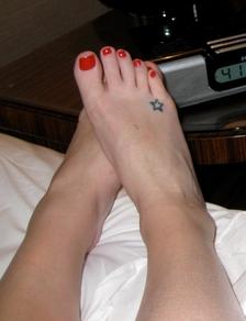 Playboy fond d'écran entitled feet